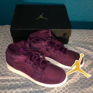 Air Jordans Mid BG size 7.5 NWT